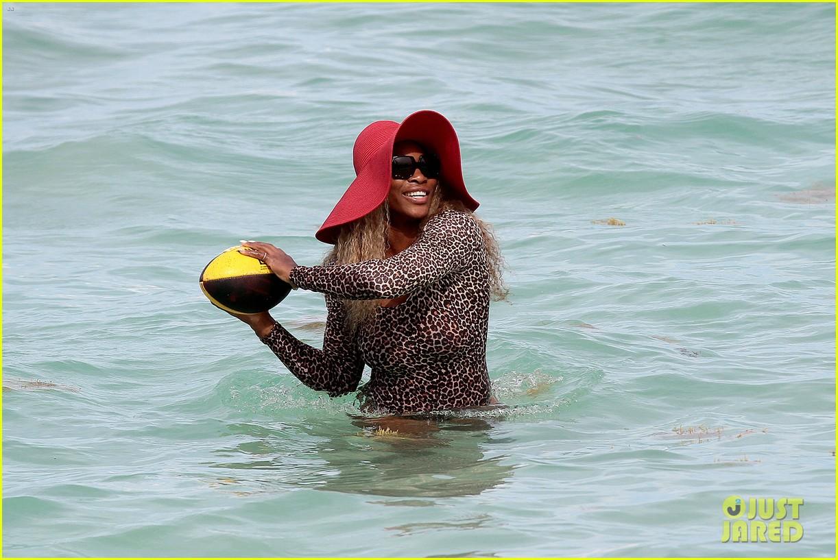 serena williams bootylicious beach caroline wozniacki 11