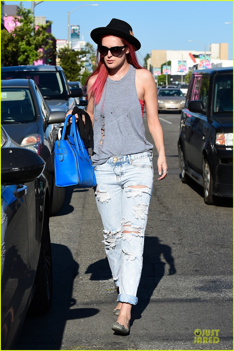 rumer willis heats it up with red hair 153115386