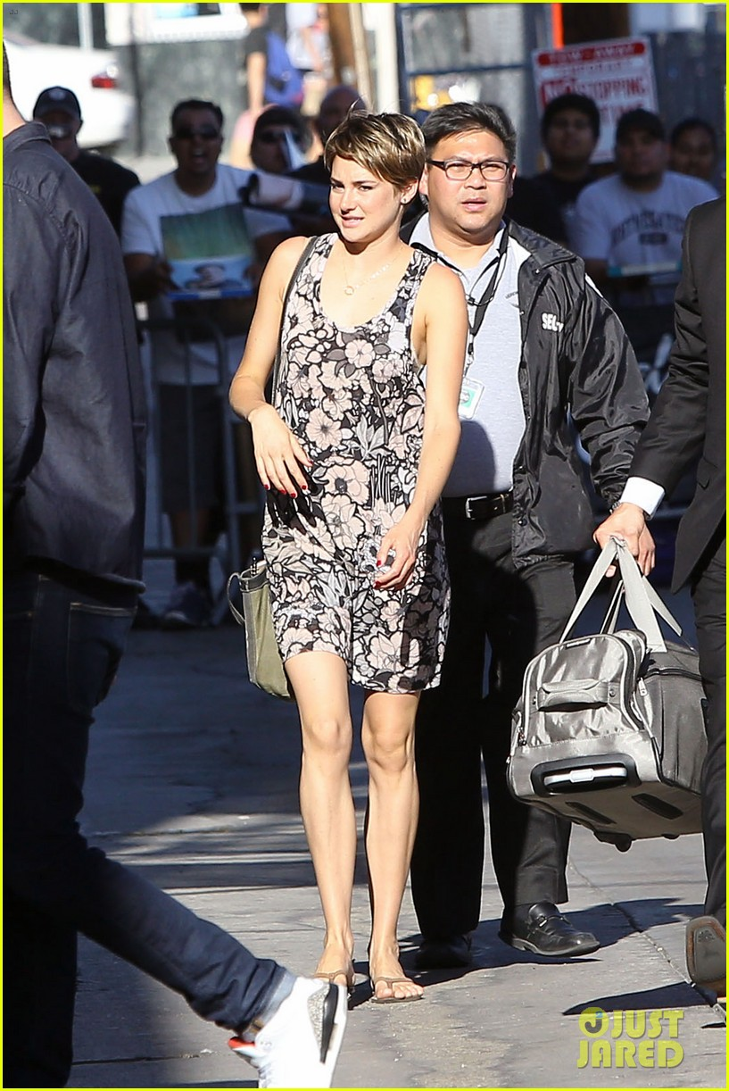 shailene woodley possesions one suitcase 05