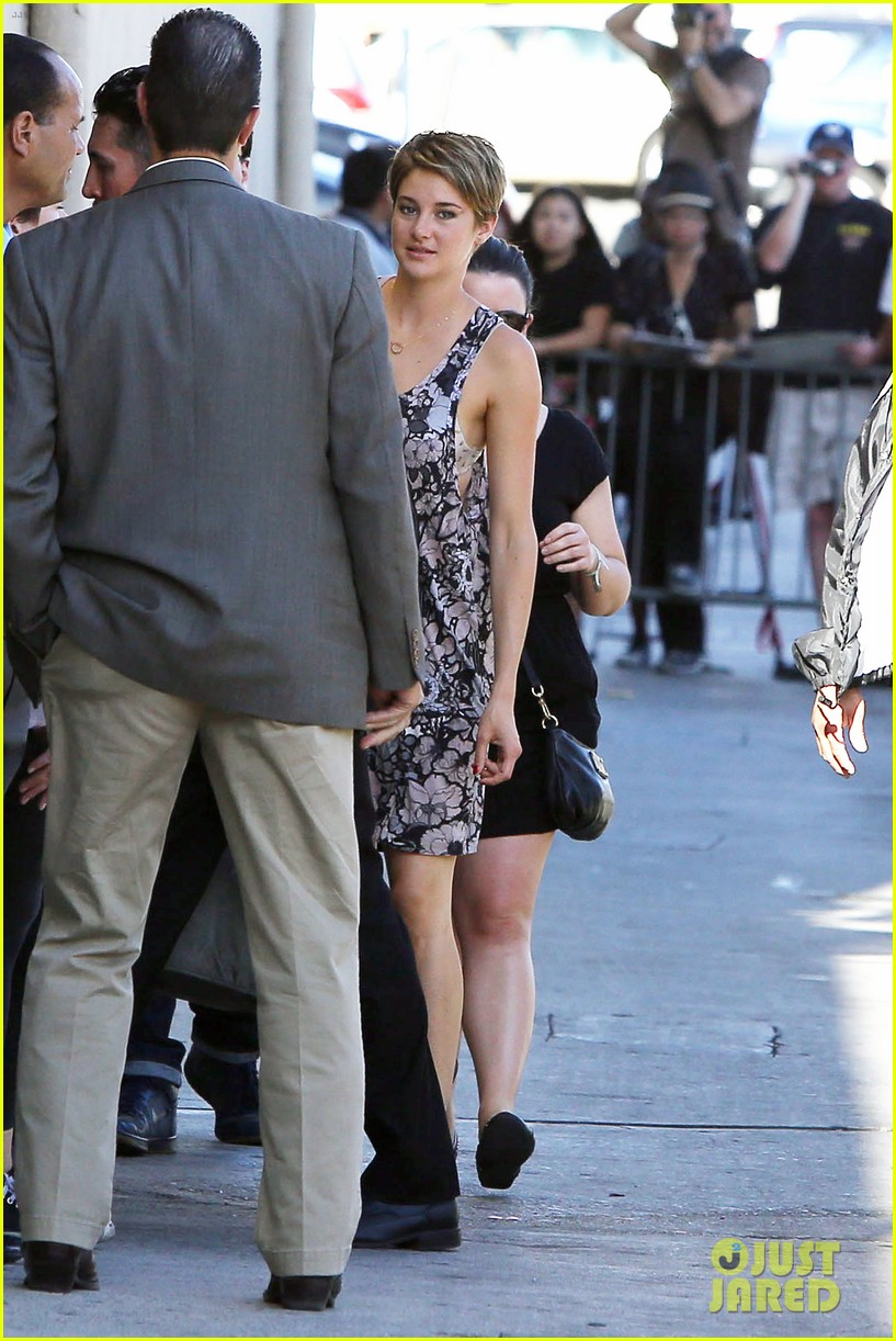 shailene woodley possesions one suitcase 313114839