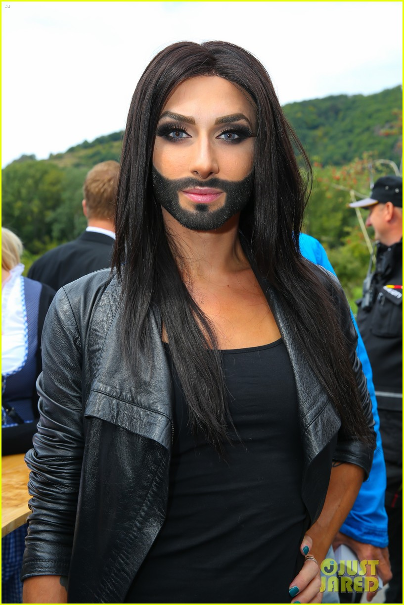 conchita wurst bearded drag queen wins eurovision 02