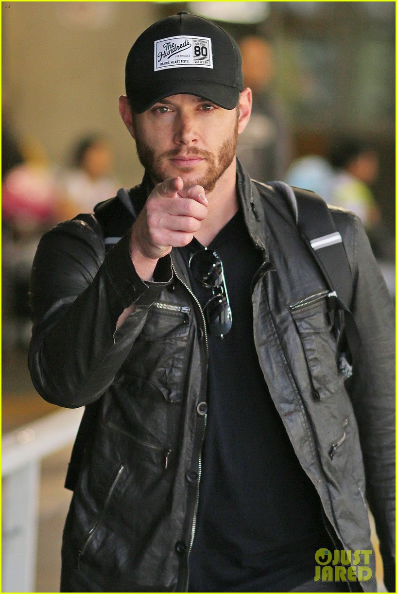 jensen ackles wants you points out photogs 023143609