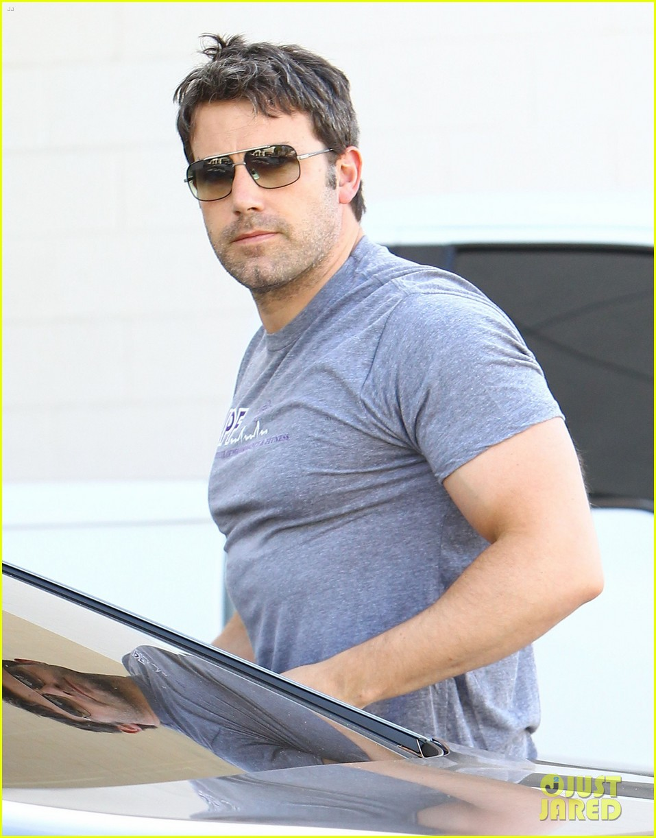 ben affleck bulked up for batman 16