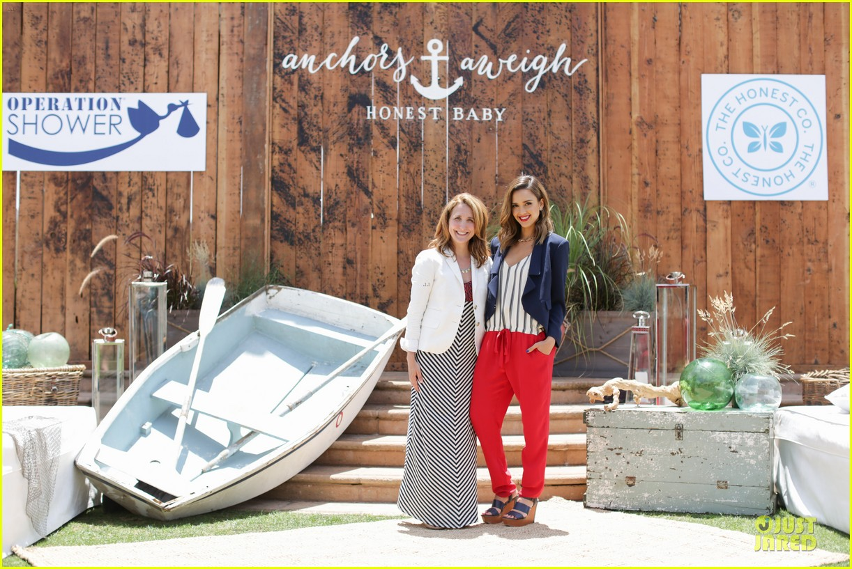 jessica alba baby shower for us navy families 13