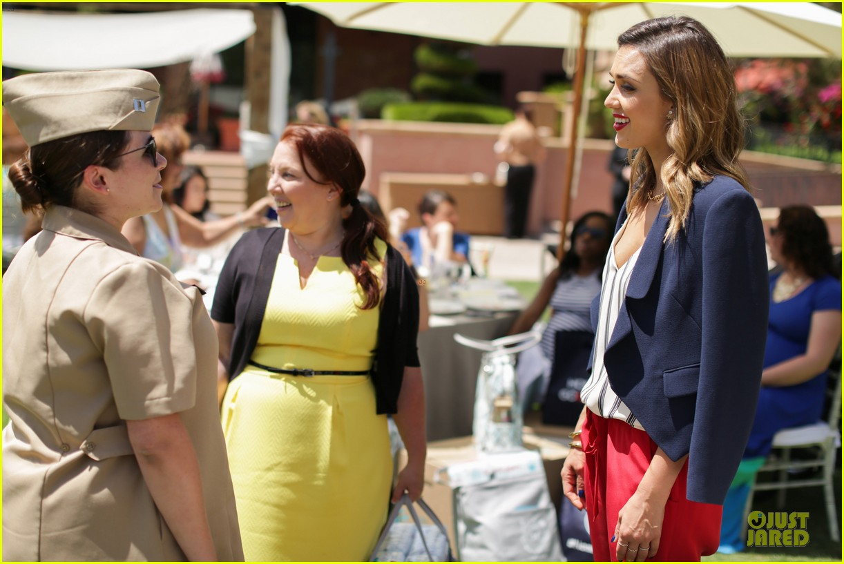 jessica alba baby shower for us navy families 21