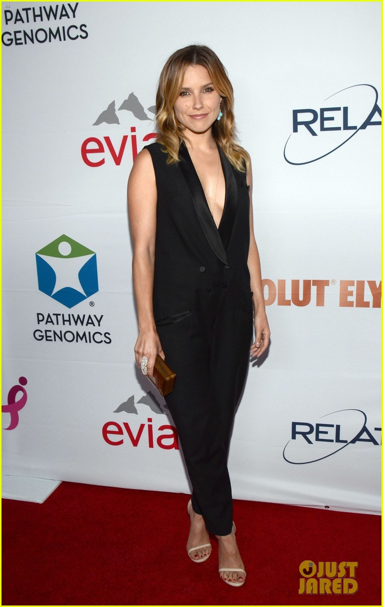 alessandra ambrosio sophia bush support breast cancer at pathway to the cures 053133802