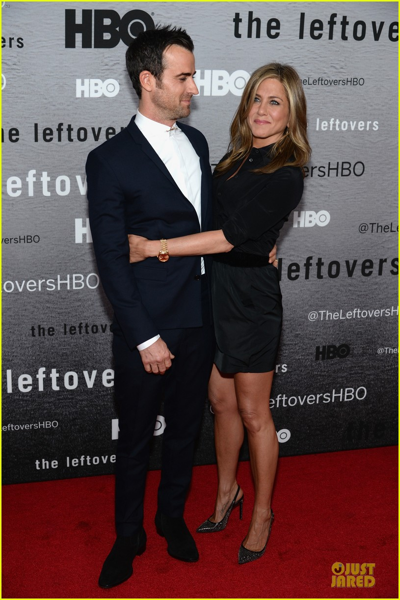 jennifer aniston justin theroux chemistry at leftovers premiere 11
