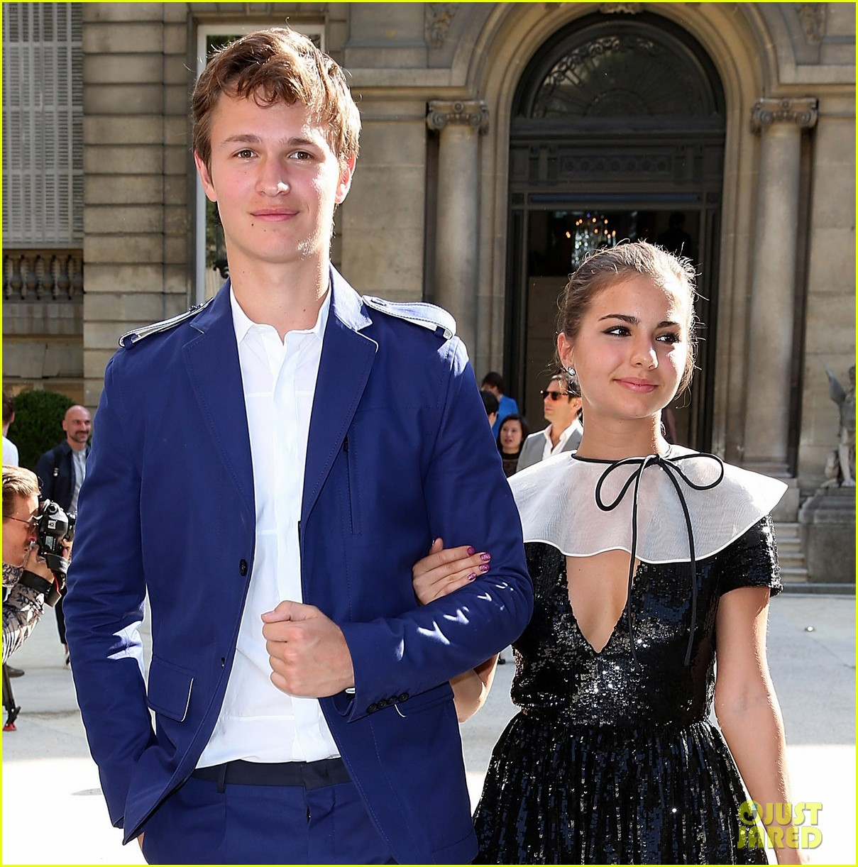 ansel elgort paris fashion week girlfriend violetta komyshan 03