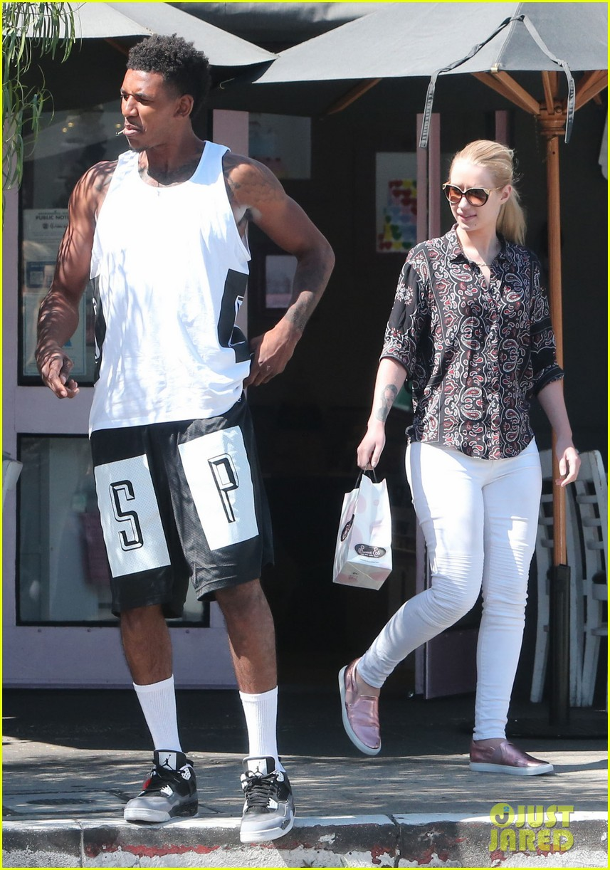 iggy azalea boyfriend nick young are one cute couple lunch 05
