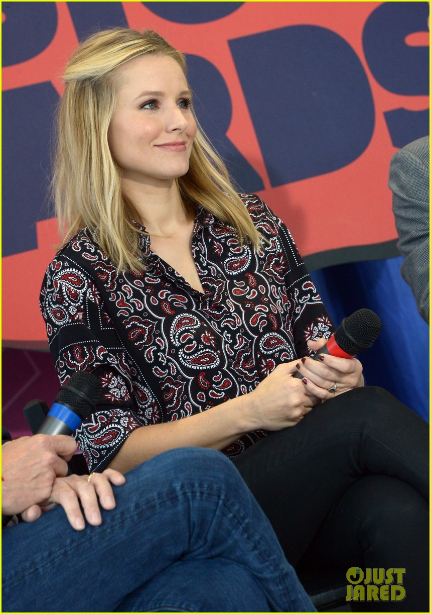 kristen bell steps out for cmt awards press conference 023127910