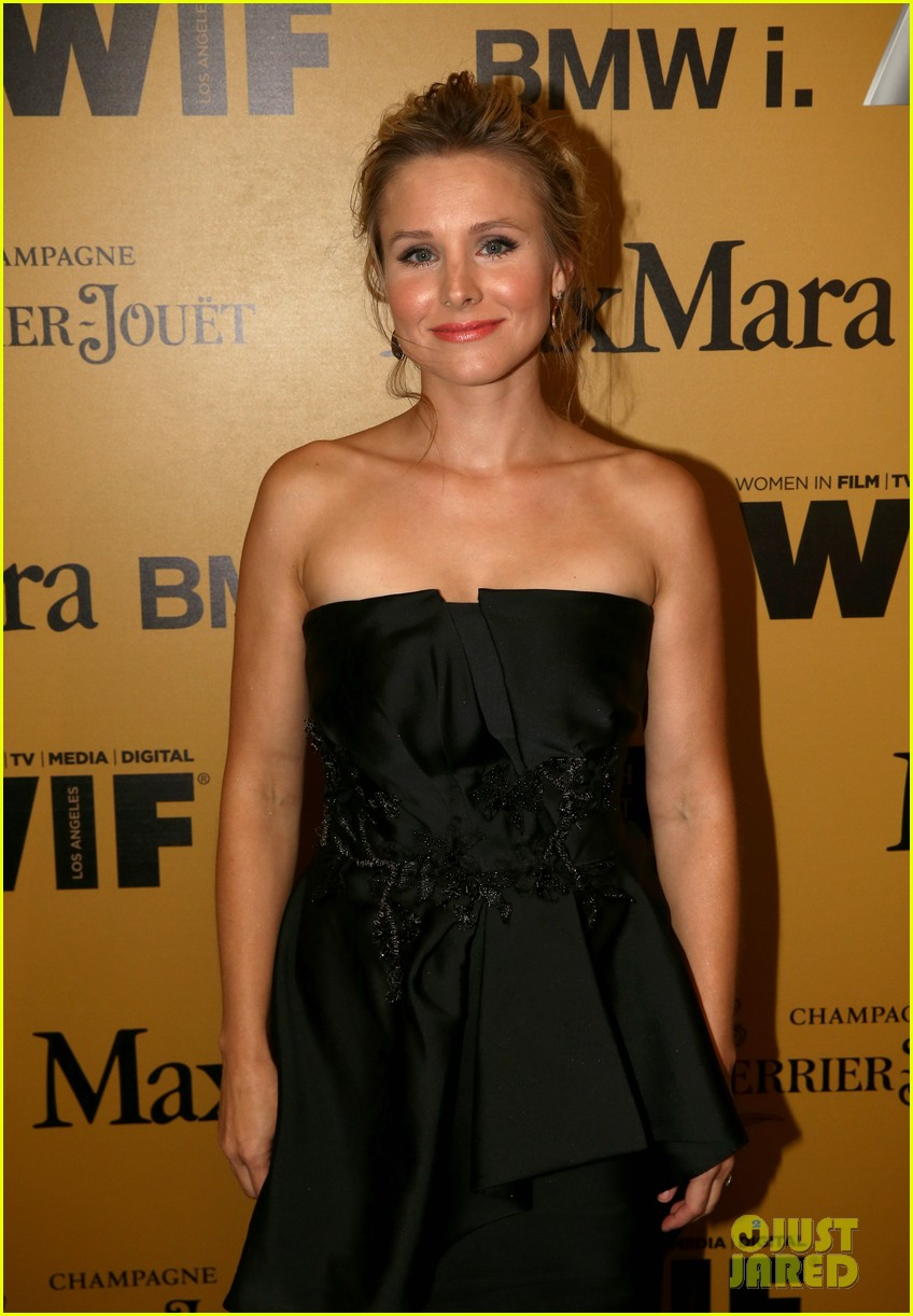 kristen bell crystal lucy awards 03