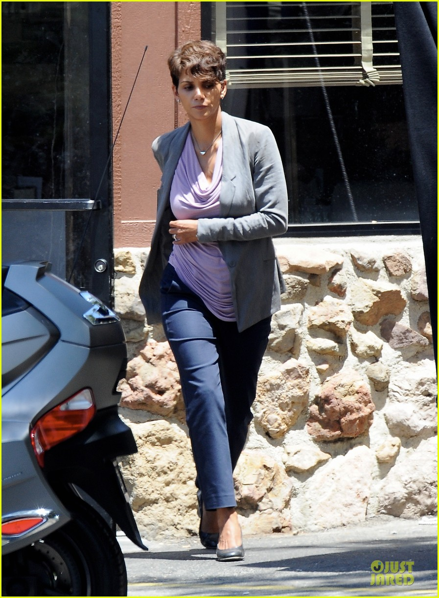 halle berry has extant on her mind 05