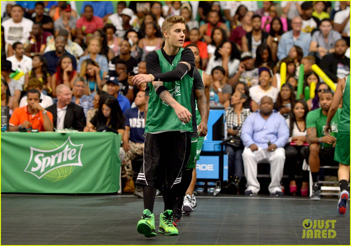 justin bieber chris brown bet celeb basketball game 133145688