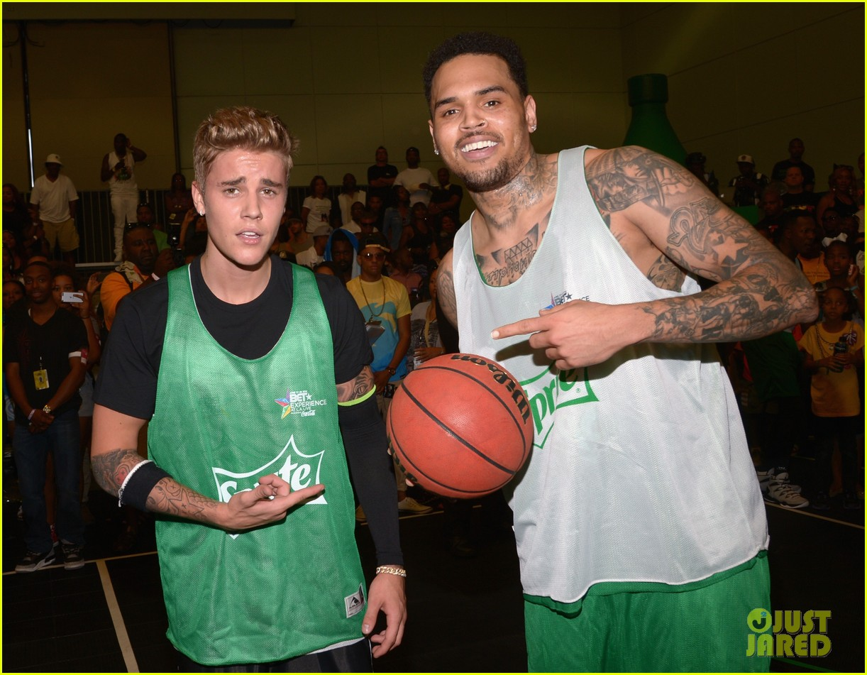 justin bieber chris brown bet celeb basketball game 283145703