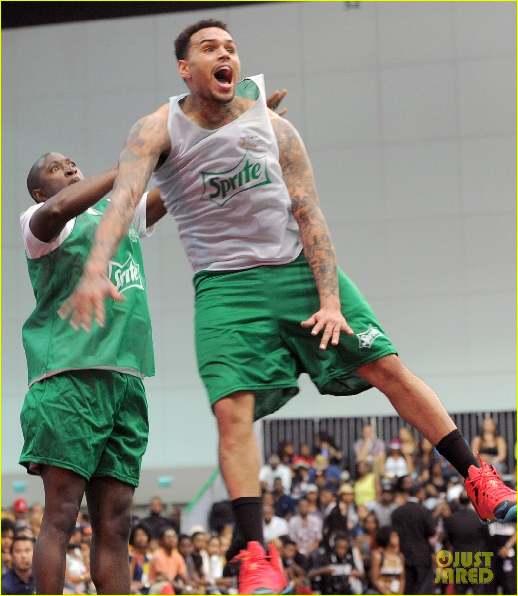 justin bieber chris brown bet celeb basketball game 37