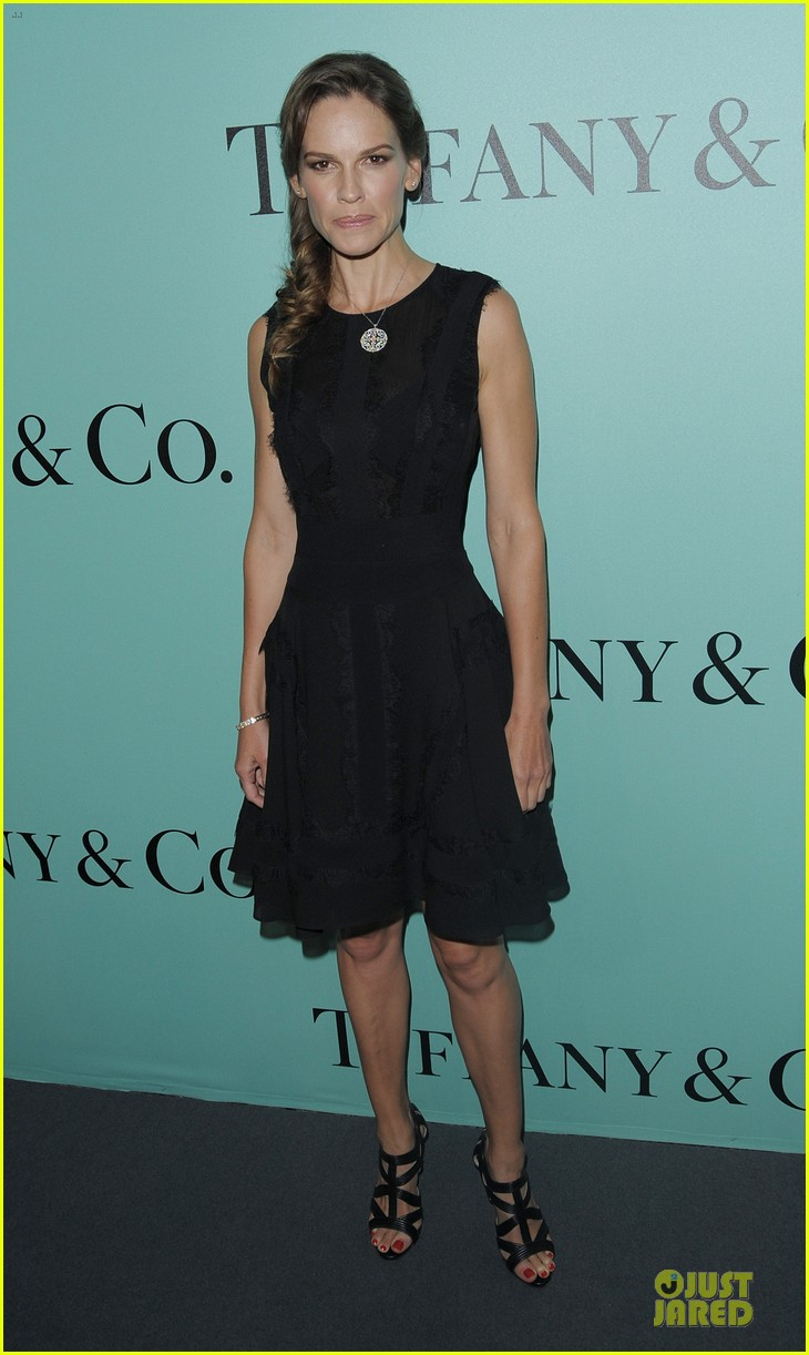 jessica biel hilary swank tiffany co store launch 04