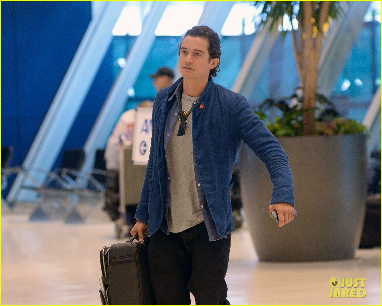 orlando bloom jets off after getting lap dance neil patrick harris 023131859