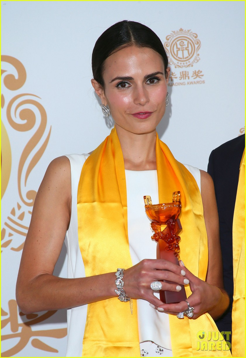 jordana brewster tyrese accept award at huading film awards 2014 09