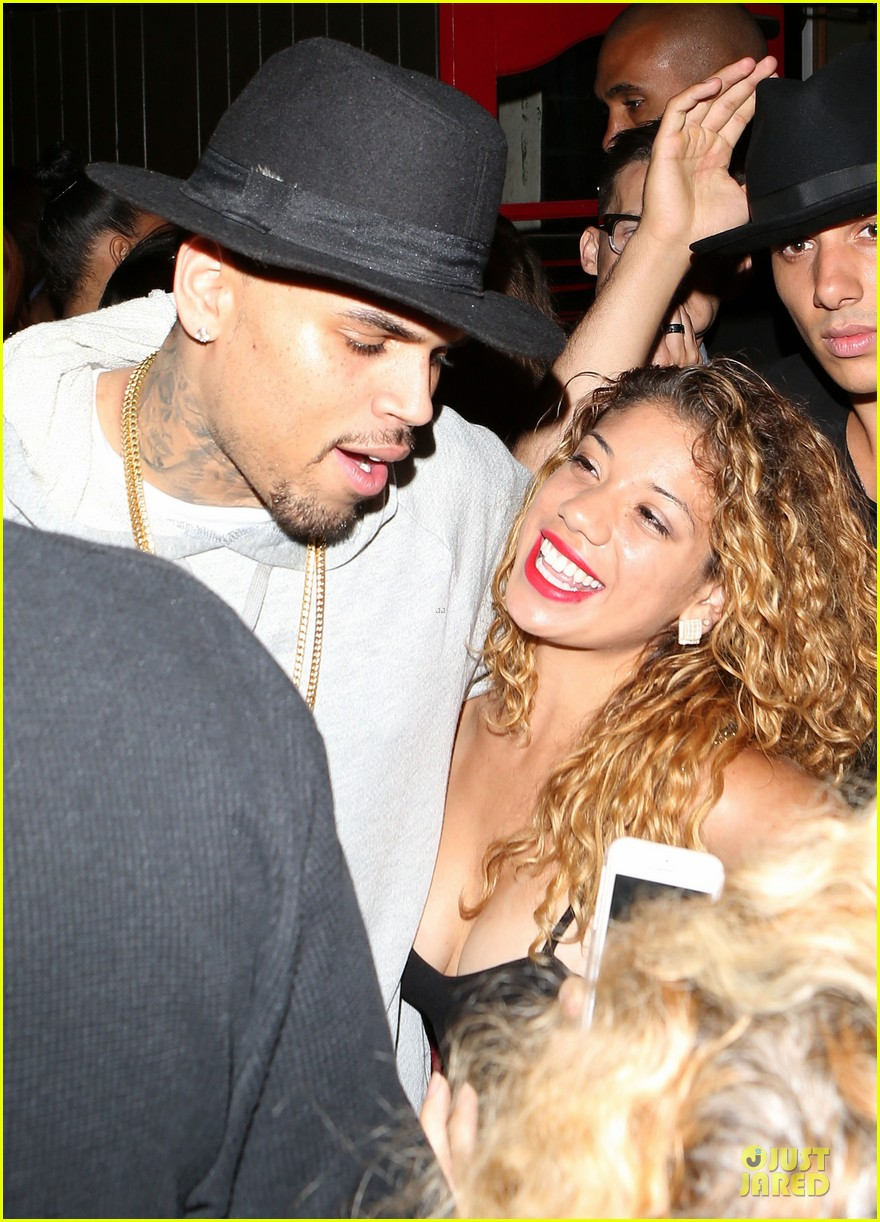 chris brown karrueche tran dance at hooray henrys 023140496