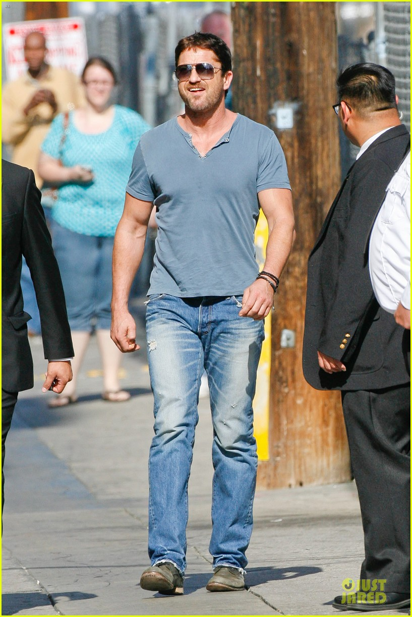 gerard butler will teach jimmy kimmel how to train dragon 093132693