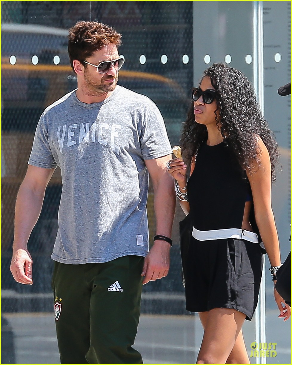 gerard butler venice on stroll with mystery woman 023136746