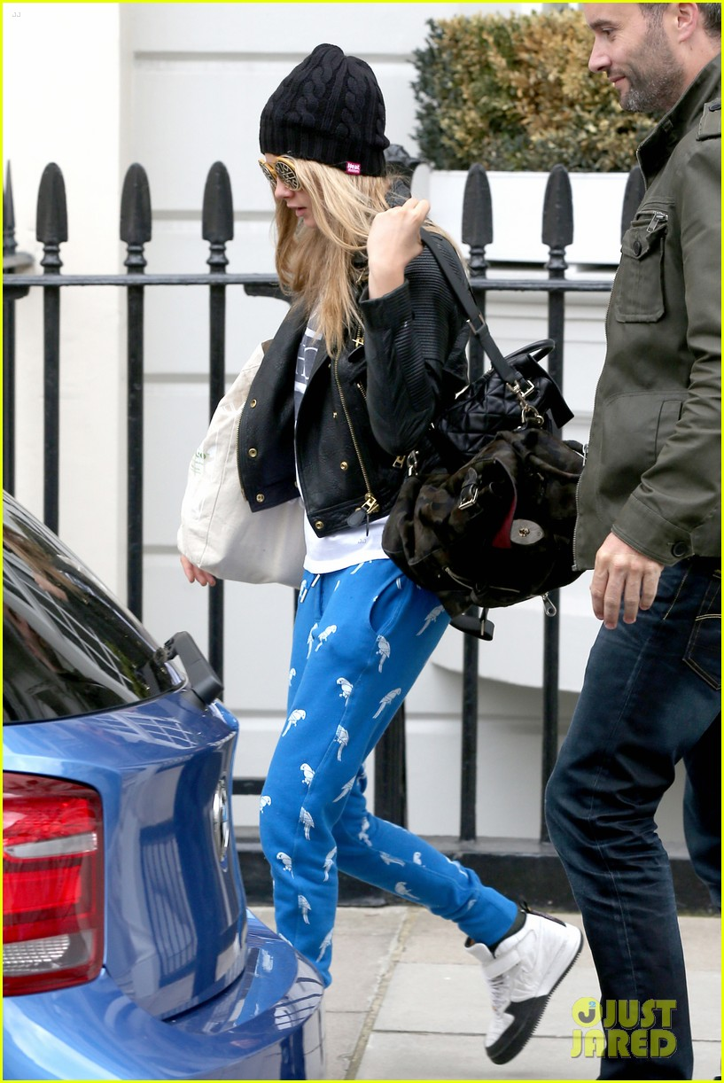cara delevingne guardian article fans paps 06