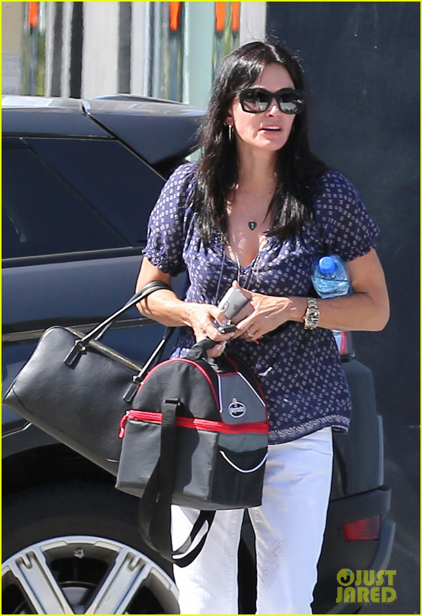 courteney cox meets up with her ex david arquette before her birthday 02