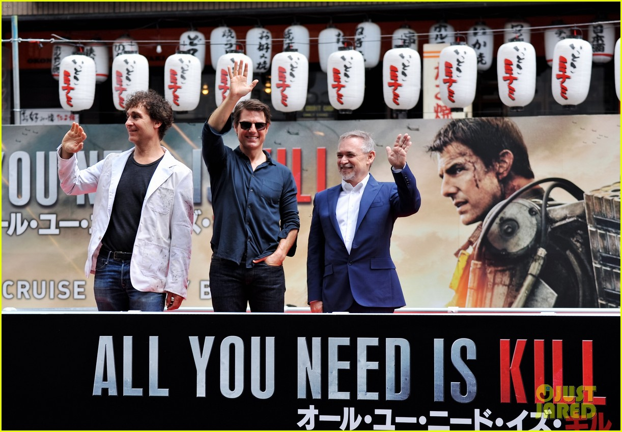 tom cruise is the happiest for edge of tomorrow japan photo call 083143657