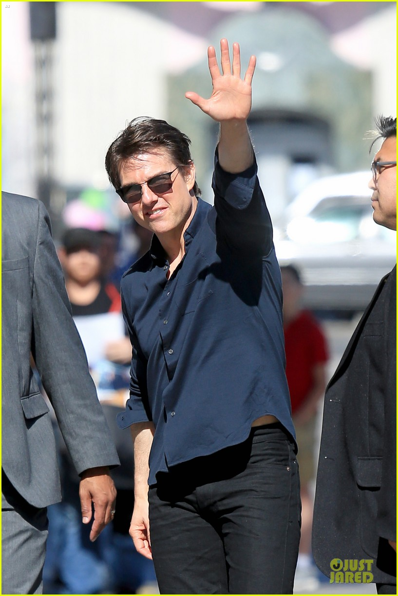 tom cruise emily blunt look hollywood 113127632