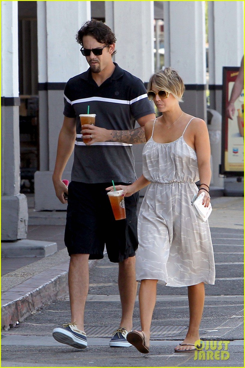 Full Sized Photo Of Kaley Cuoco Ryan Sweeting Spend Sunday Together