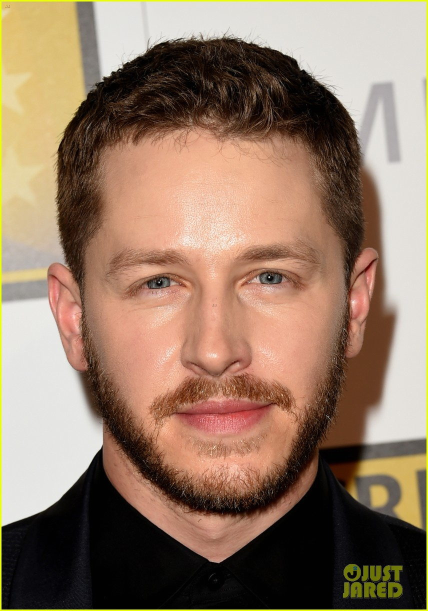 josh dallas colton haynes critics choice tv awards 2014 12