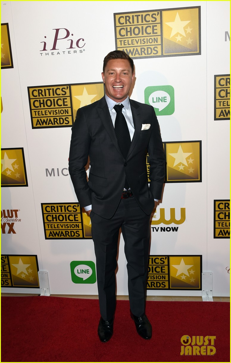 josh dallas colton haynes critics choice tv awards 2014 14