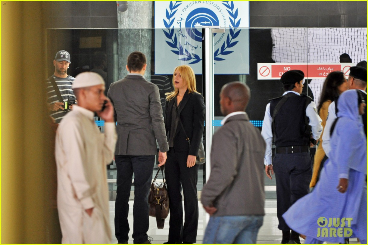 claire danes rupert friend film homeland season 4 in cape town 03