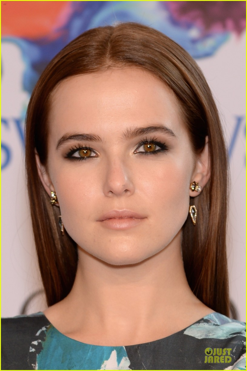 zoey deutch brie larson dressy cfda awards 2014 08