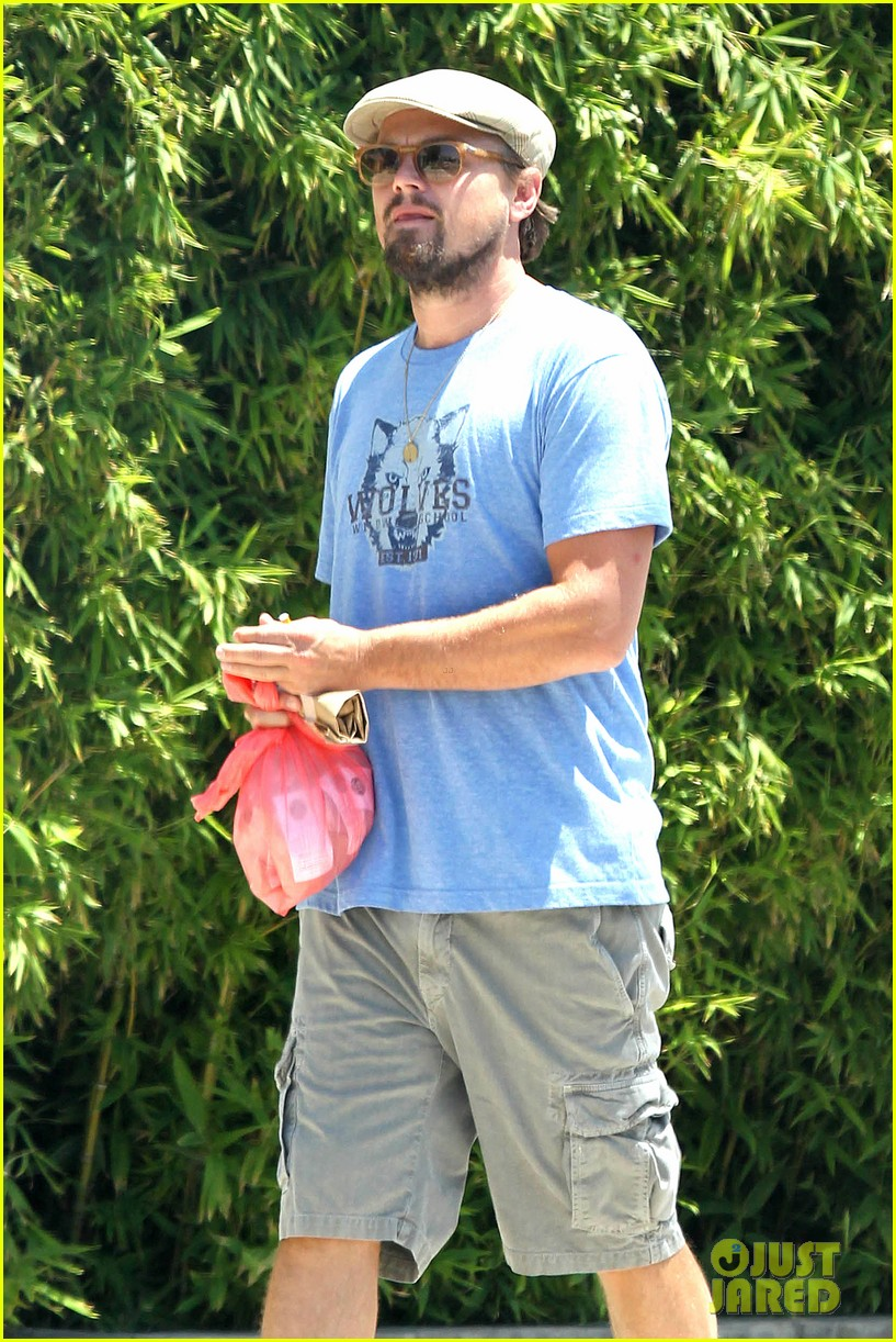 leonardo dicaprio brunches on sunday 06