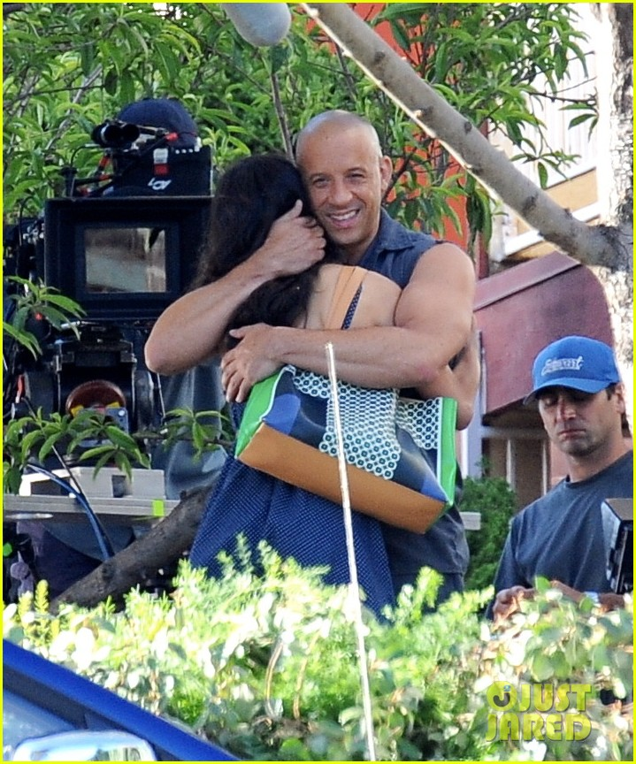 vin diesel gives jordana brewster huge hug for fast furious 7 153127428
