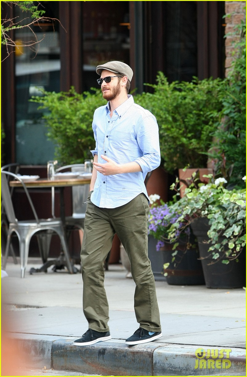 andrew garfield golf cap nyc 033143575