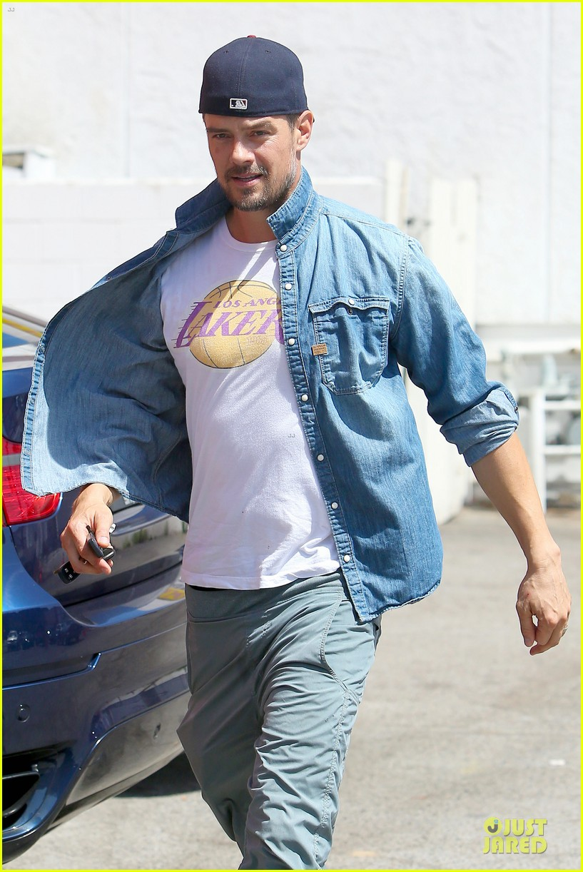josh duhamel loves lakers despite losing 12