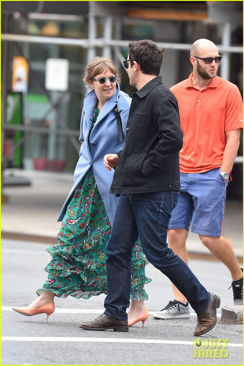 lena dunham hangs out with pal bj novak in new york 053125693