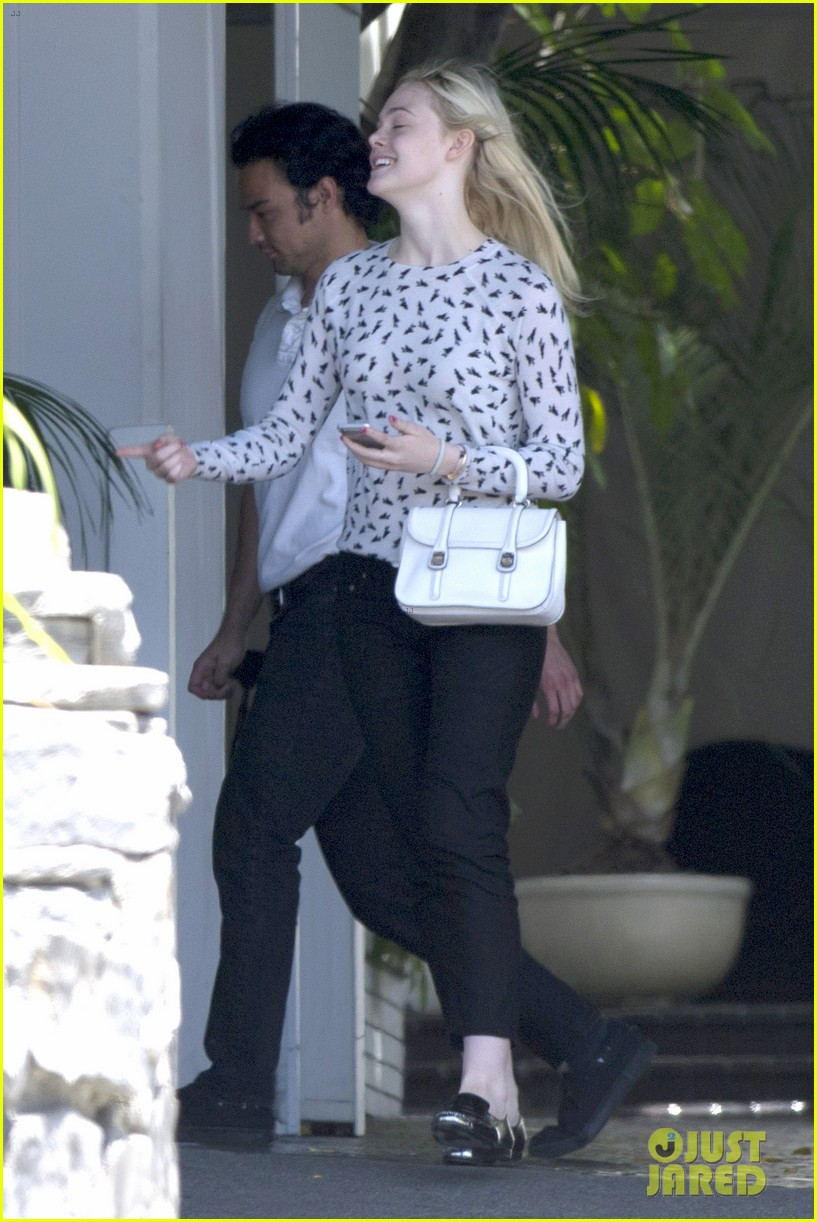 elle fanning chateau marmont two days 05