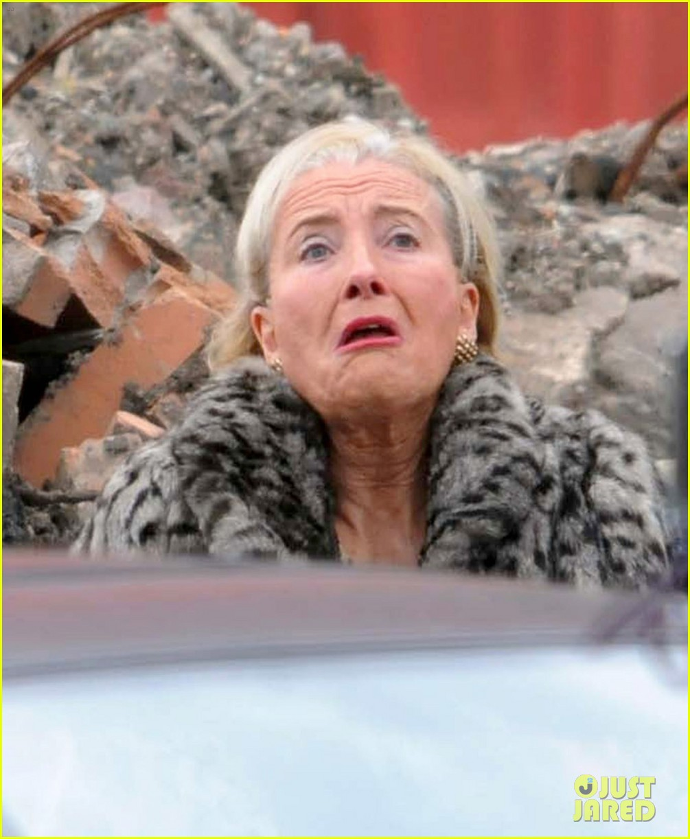 emma thompson wears lots of age makeup for new movie 02