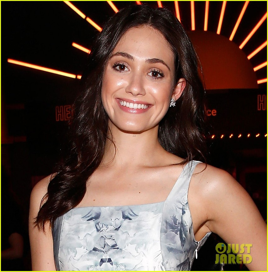 emmy rossum rides the 6 train nyc 013128527