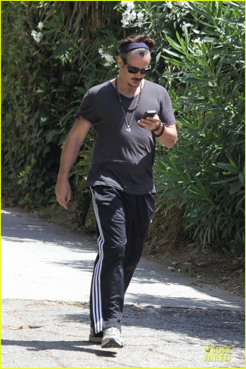 colin farrell sports gray hair in venice 09