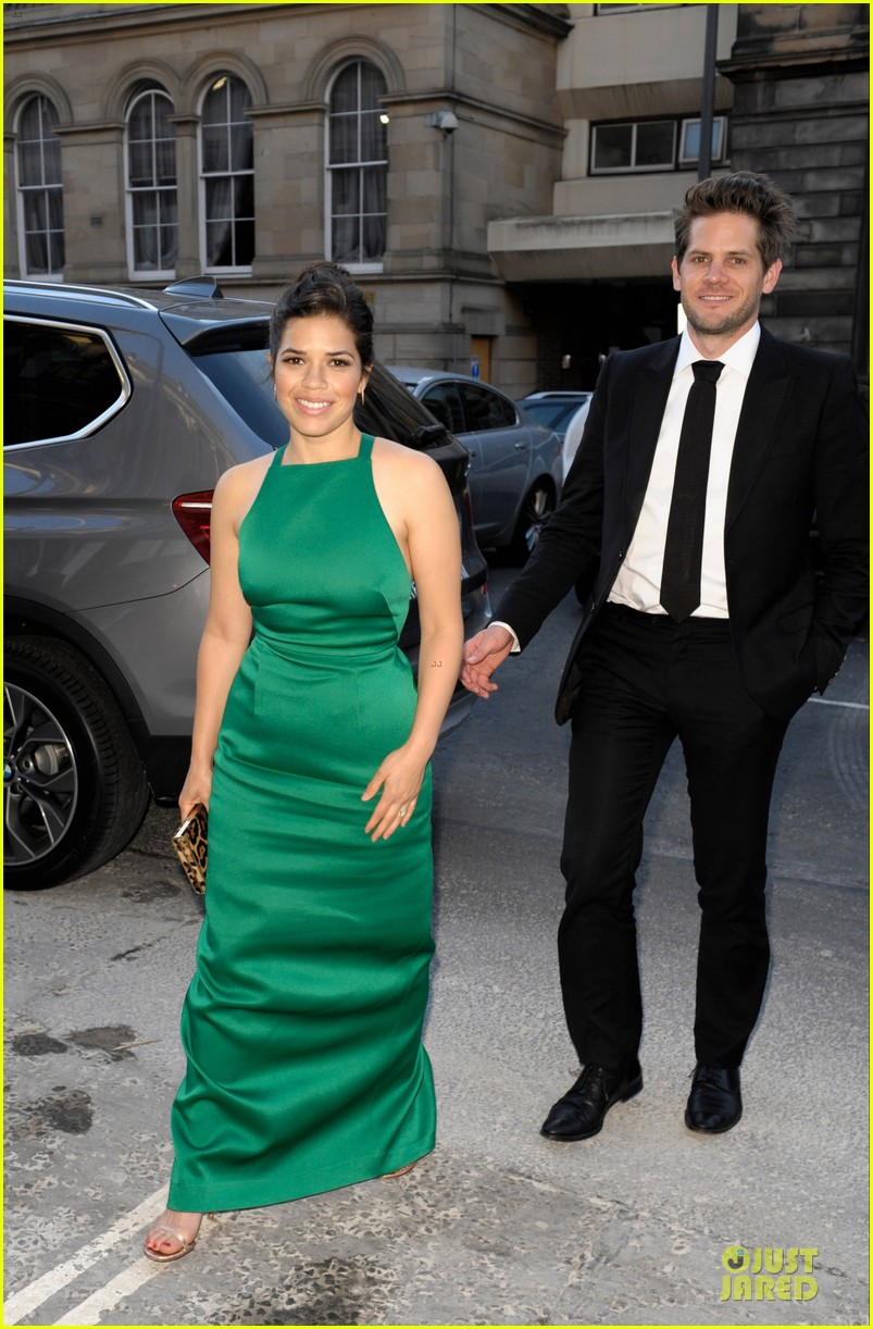 america ferrera ryan piers willaim look perfect at hyena premiere 013138563