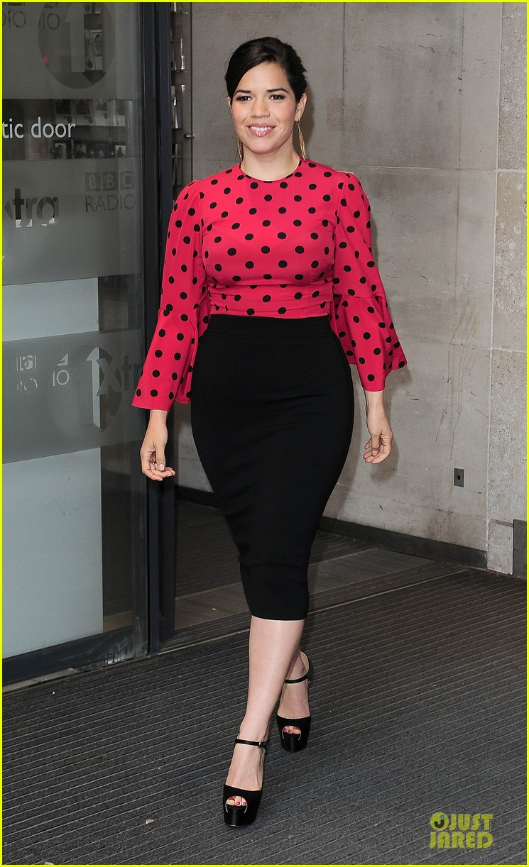 america ferrera red promoting how to train your dragon 2 03