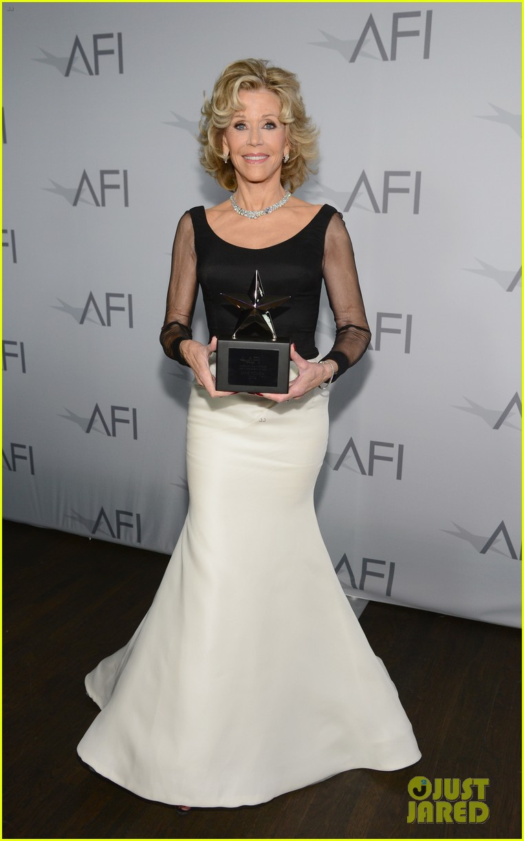 jane fonda honored by newsroom costars at afi lifetime 013129414