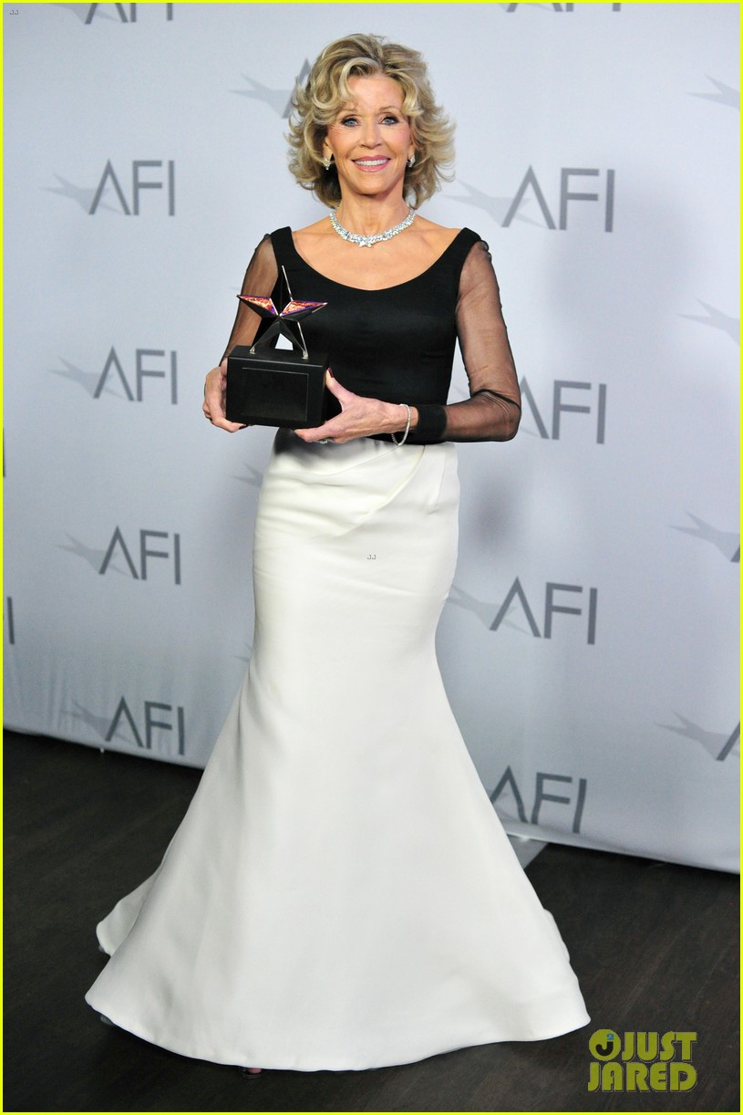 jane fonda honored by newsroom costars at afi lifetime 06