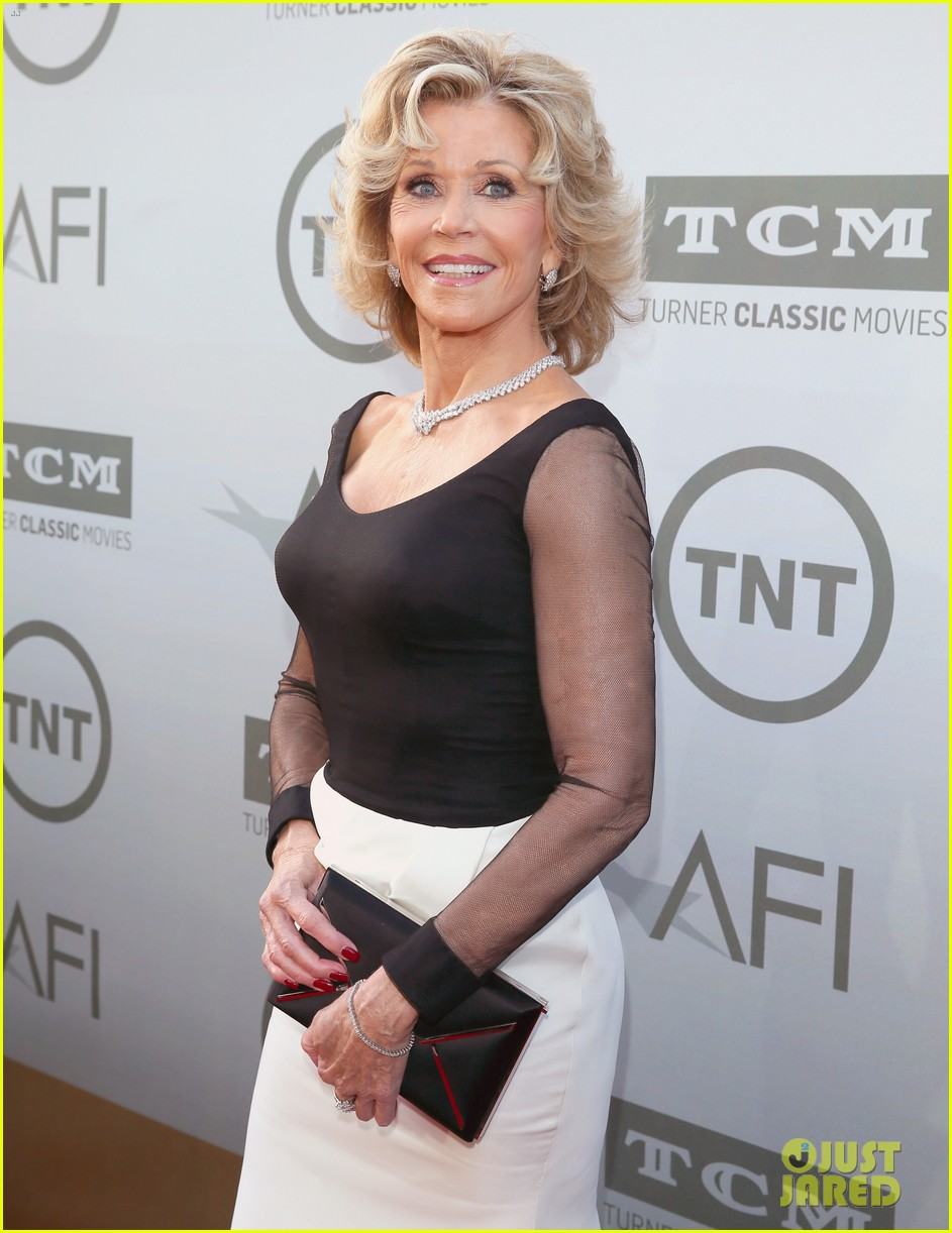 jane fonda honored by newsroom costars at afi lifetime 073129420