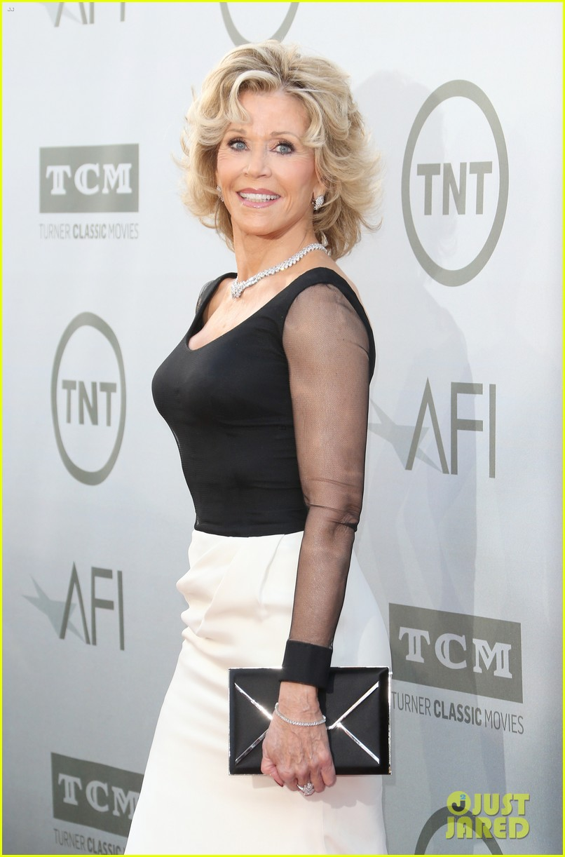 jane fonda honored by newsroom costars at afi lifetime 09
