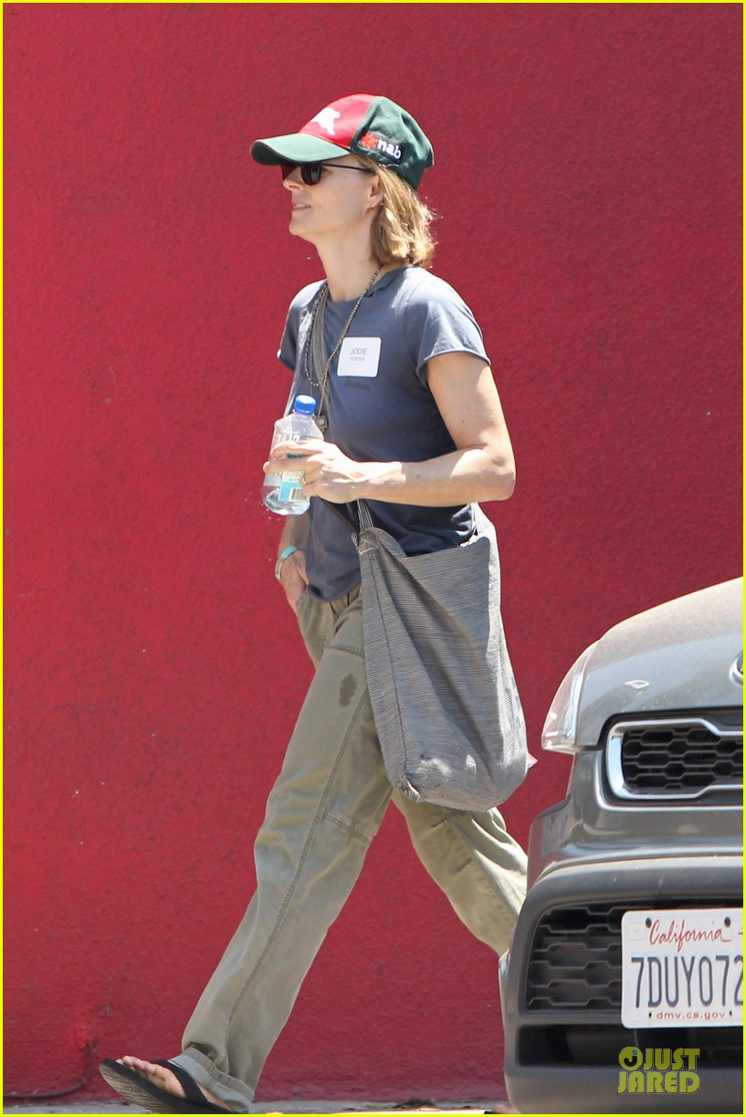 jodie foster talks booking oitnb gig 083138702